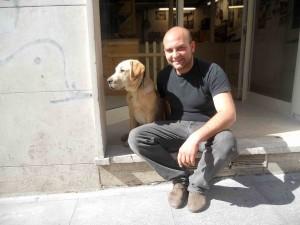Acero il Labrador assistente di laboratorio